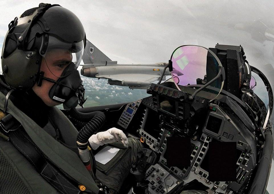 RAF sets new training balance   ESS - Eurofighter Simulation