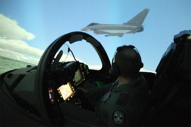 805-05 Pilot in enger Formation mit zweitem EF